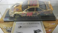 Gold Nascar racing car scale model with Certific Maugansville, 21767