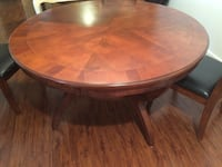 round brown wooden coffee table Lynden, 98264