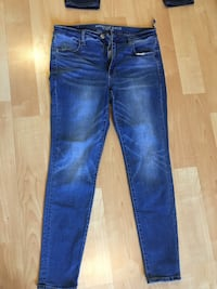 AE jeans high-rise jegging , standard, ladies size 12 - $10 Mississauga, L5L 5P5