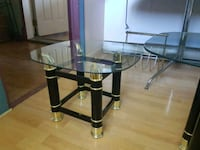 black metal base glass top table Saint-Prosper, G0M 1Y0