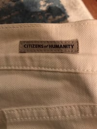Citizens of Humanity Size 31 white jeans from Aritzia Toronto, M5B 1L3