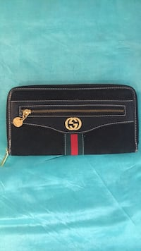Gucci wallet back fabric