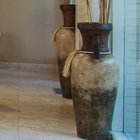 OVERSIZED LIKE NEW BROWN/TAN VASES West Hollywood