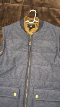 gray and yellow zip-up vest Philadelphia, 19135