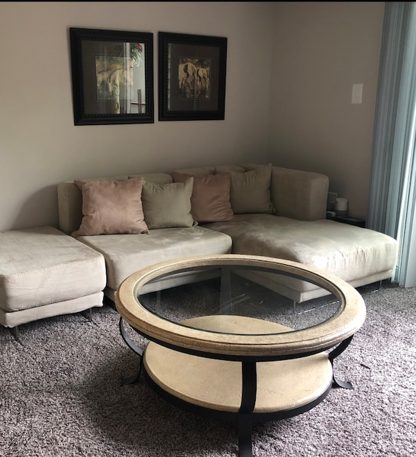 Sofa Sectional and Coffee Table 4edf2721-1e75-4d4d-915e-236d19305ddd