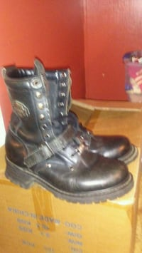 pair of black leather combat boots Hampton, 37658