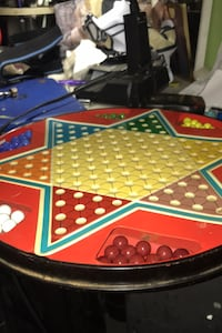 Vintage Chinese checkers table flips over to play checkers  completed  Hanahan, 29410