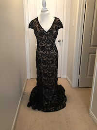 Black and nude embroidered dress Brampton, L6P 3P5