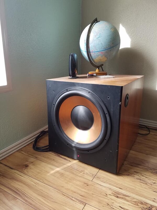 Klipsch reference 7 series fronts,rears, and subwoofer $7500.00 new d2949ba1-334d-4869-a170-dc473c1b4da1