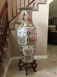 Large Chinese antique vase Diamond Bar