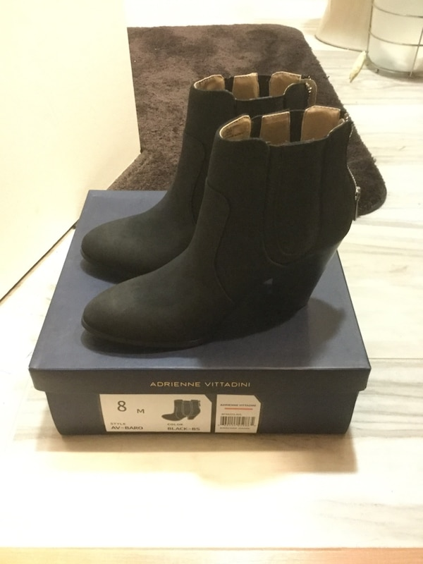 2a843a3a91c ADRIENNE VITTADINI SIZE 8 Black Burnished Sued boots