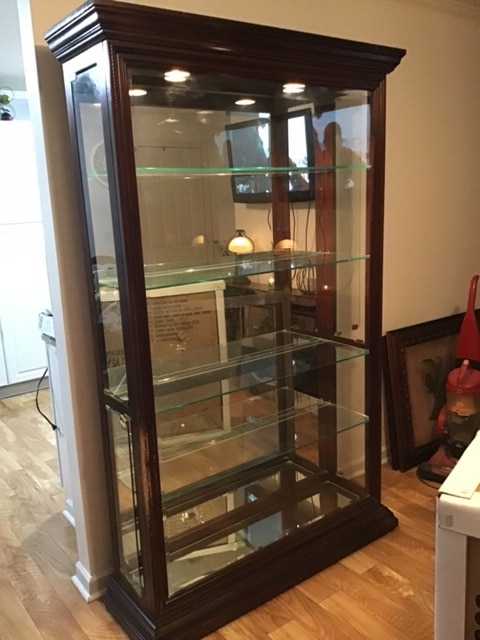 Superieur Dark Cherry Wood Curio Cabinet With Lights