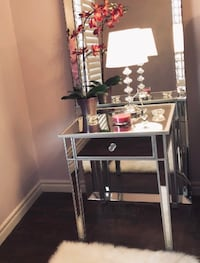 Mirrored accent tables Mississauga, L5C