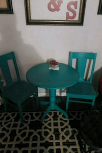 Table and 2 chairs Runnells, 50237
