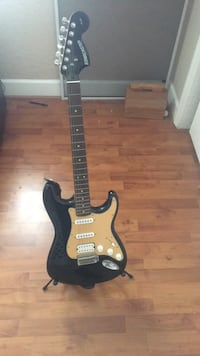 starcaster electric guitar Doral, 33178