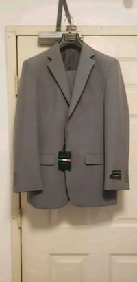 NWT Lucci Zegna 2pp Mens gray hand tailored 2 Butt Milford, 06460