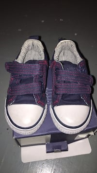 pair of purple-and-white sneakers Mississauga, L5J 3A8