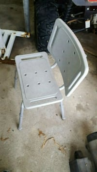 white and gray step seat Landen