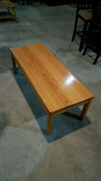 solid wood coffee table  Brampton, L6X