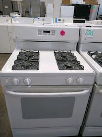 GE profile gas stove perfect status four months wa Bowie, 20715