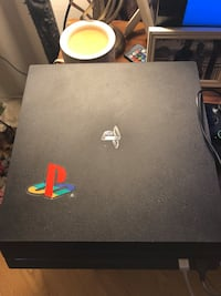 Ps4 Pro 1 TB - comes with blue controller Schenectady, 12303