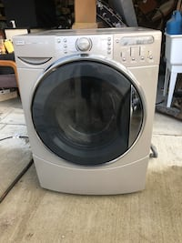 white front-load clothes washer Newark, 43055