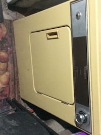 Vintage 1974 Whirlpool Dryer, Works Amazingly, They don't make them like this anymore, just needs dryer filter . 288 mi