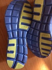 Never worn AVIA running shoes, labelled size 11 but fit like a 10. Toronto, M4C 2R5