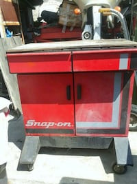 red and black Craftsman tool chest Los Angeles, 91352