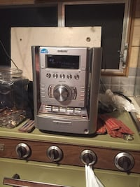 Radio with a built in aux  Tyler, 75706
