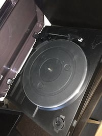 Record Player/Turntable (sony) Ajax, L1S 7A8