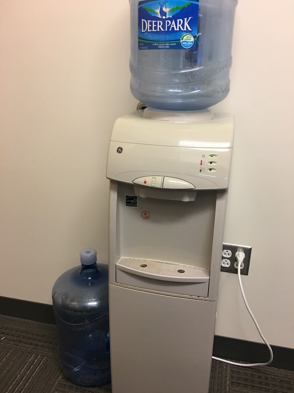 GE hot and cold water dispenser