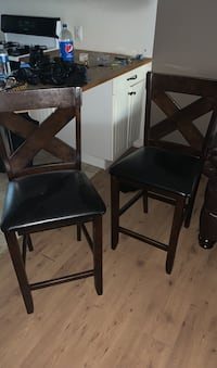 Set of barstool chairs