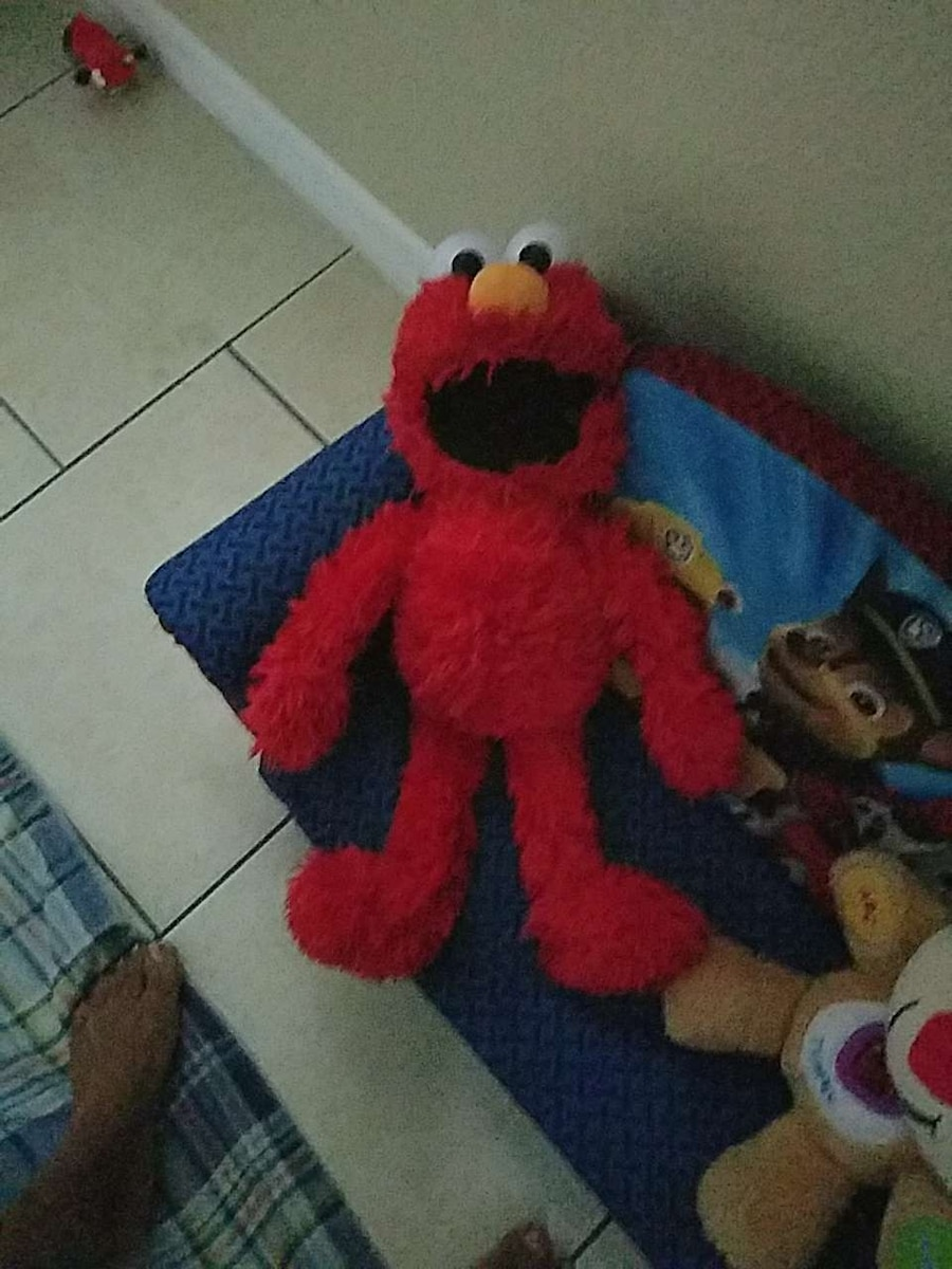 tickle me elmo plush toy