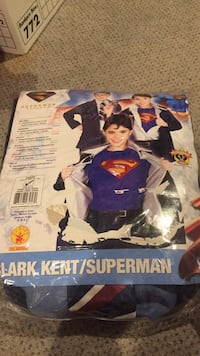 Clark Kent superman costume. Size large  Vaughan, L4J 5L7
