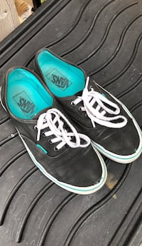 VANS Men's size 6 / Ladies size 7.5 Port Coquitlam, V3B 3R7