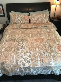 Queen bed and box spring Sainte-Anne-des-Plaines, J0N 1H0