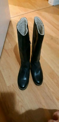 Ladies genuine leather boots Calgary, T2A 5Z8