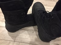 Black converse boots youth size 3 Toronto, M1L 3H2