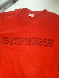 red Supreme crew-neck shirt Mississauga, L5R 1Y9
