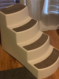 Dog Pet steps in good condition