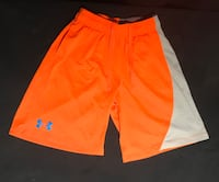 YOUTH LG-LOOSE UNDER ARMOUR SHORTS & SNAP BACK HAT London, N6E
