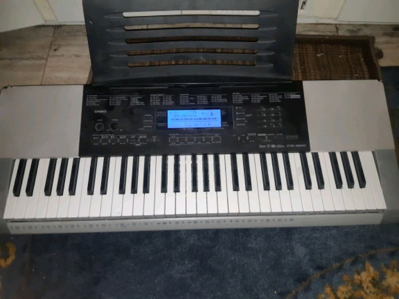 61 key casio keyboard with stand and stool e6d9c755-c001-45e0-8e1c-a3c0d3f902e4