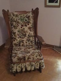 white and black floral sofa chair Québec, G1W 3K6