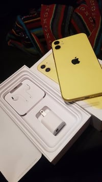 iphone 11 yellow 128gb Montreal