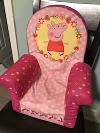pink and red Peppa Pig sofa chair