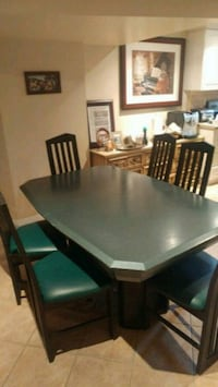Solid wood table and 6 leather chairs Vaughan, L6A 2V4