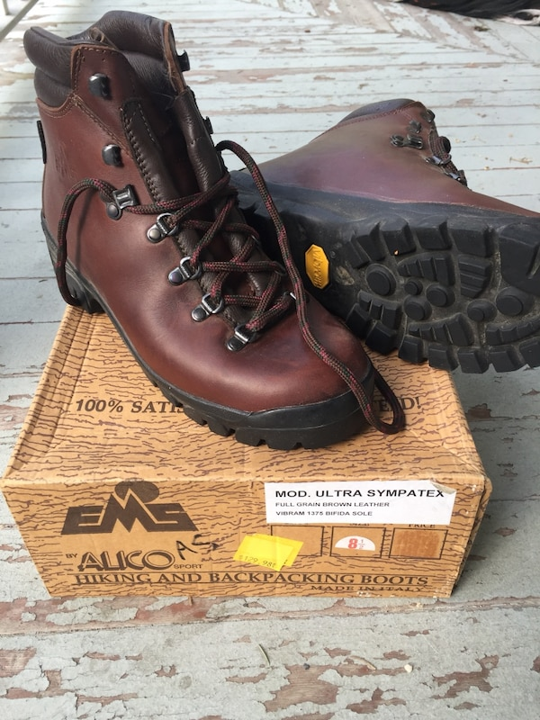 d50401004c5 Mens alico hiking boots with box 8.5