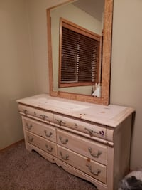Negotiable Natural wood girls twin trundle bedroom set null