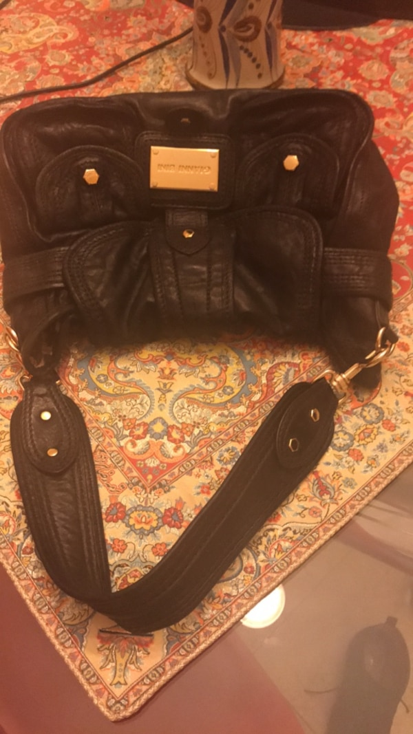 3cf1a995cfc4 Used Black leather handbag for sale in McKinney - letgo